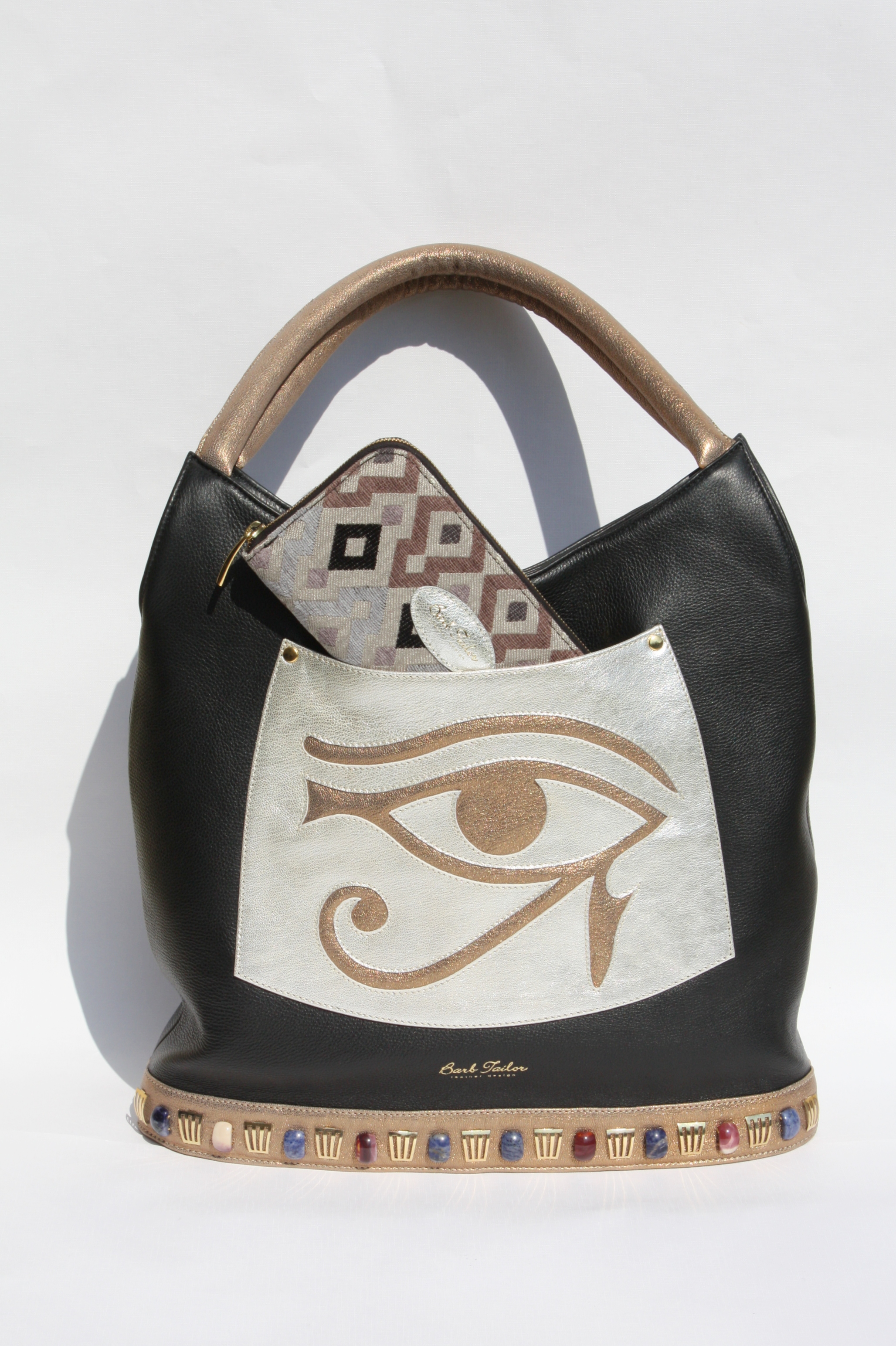 Eye of Horus with purse