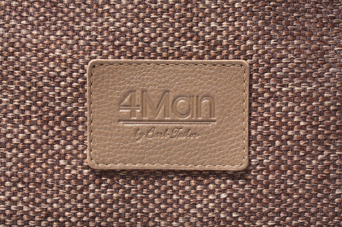 4Man embossed logo