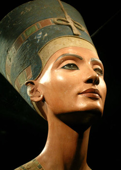Nefertiti királynő