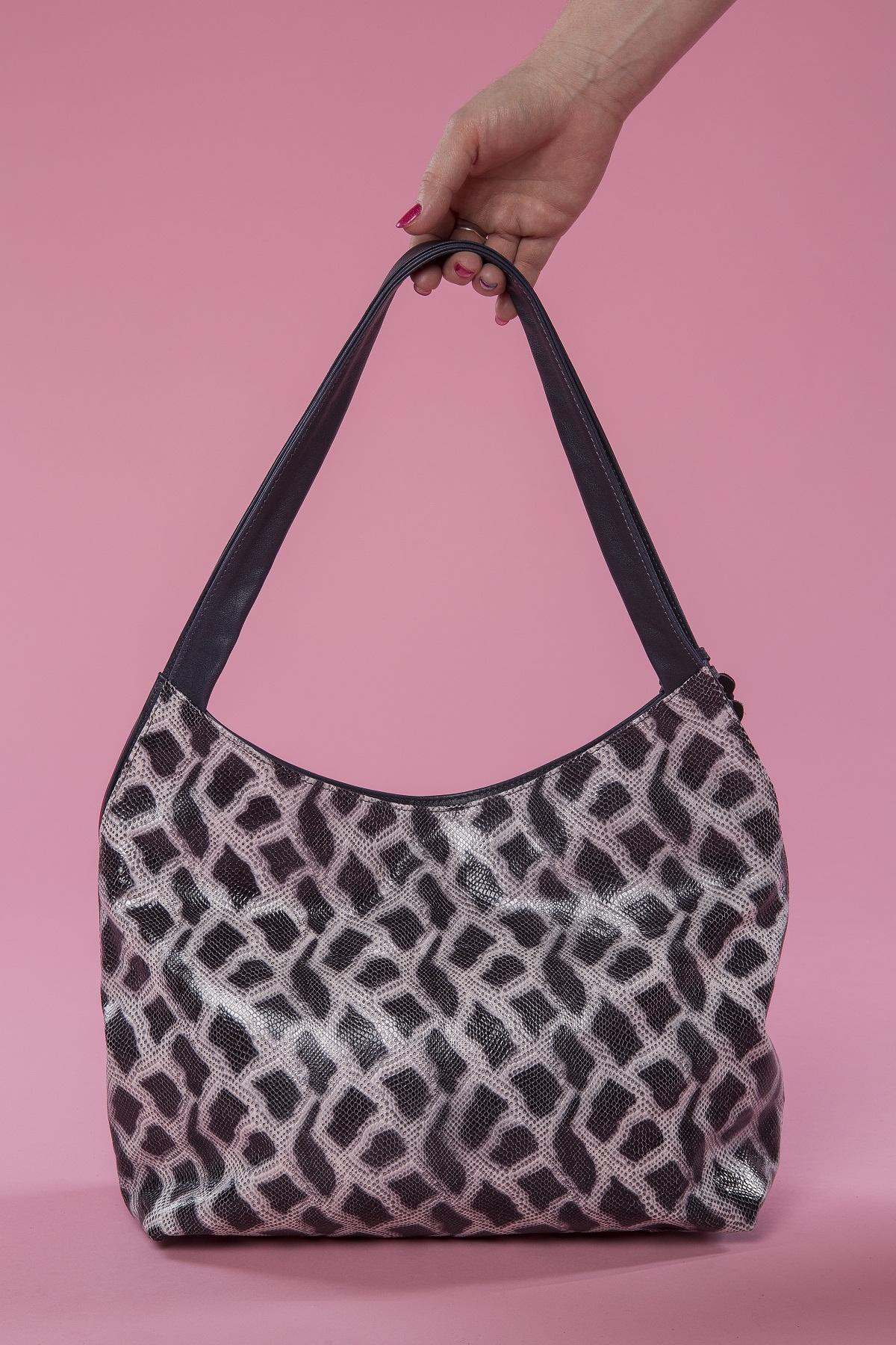 Tiger Lily - black&white&mallow