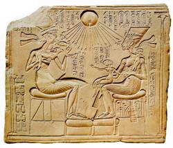Akhenaton családjával