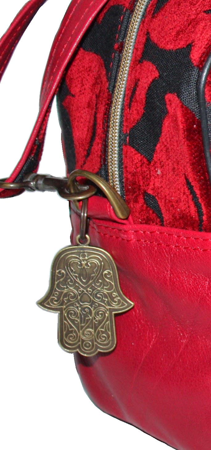 Fatima's pendant