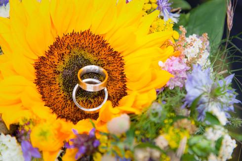 Ringe im Brautstrauß