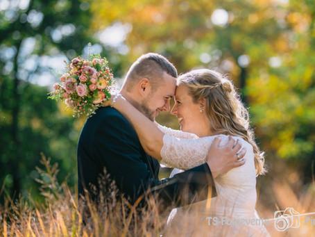 Hochzeit im goldenen Oktober