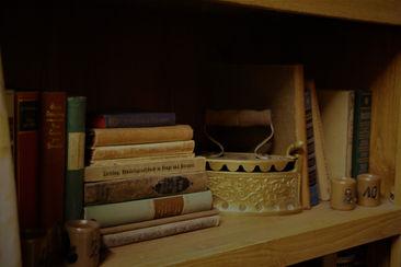 Bücherregal - Mysticae