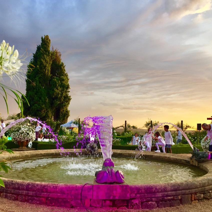 Pique-nique blanc at Jardin Eyrignac