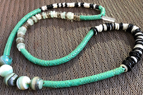 GLASS, SNAKEBEADS, AGATE
