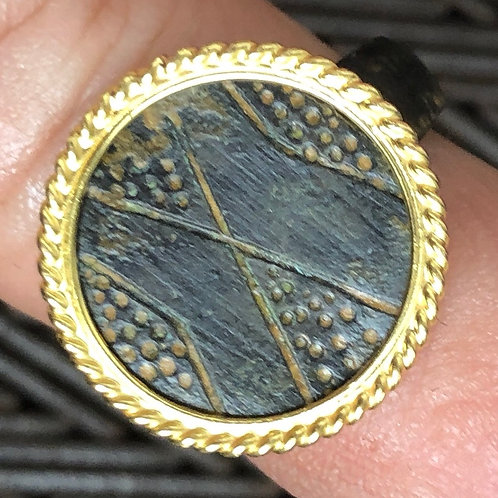 21 K GOLD, ROMAN -BYZANTINE BRONZE RING (11-V1 C. AD)
