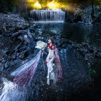gothic_princess_surrounded_by_water___op