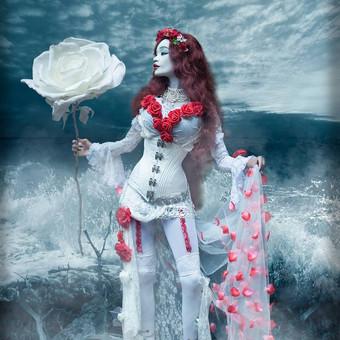 gothic_princess_by_the_ocean_by_e_a_phot