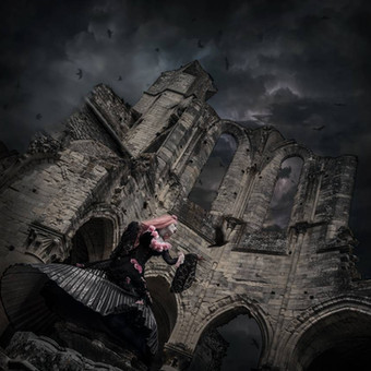 gothic_princess_in_ruins_surrounded_by_r