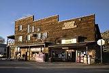 313 Highway 92- P.O Box 54 - Crawford, CO 81415 - (970) 424-4966 - hitchingposthotel@gmail.com