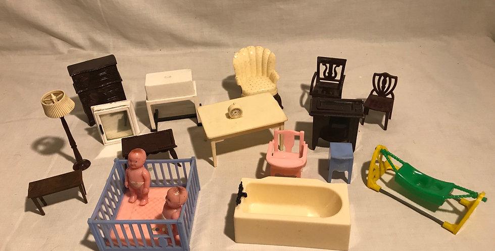 Dollhouse Furniture 19 Pieces