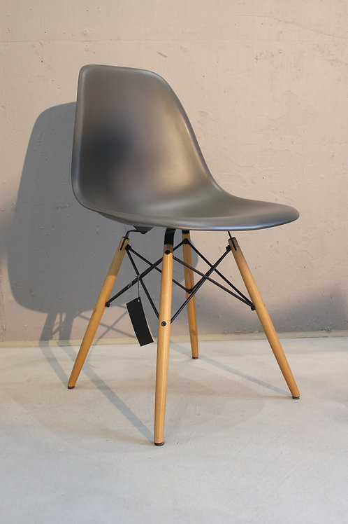 Stuhl Eames Plastic Side Chair