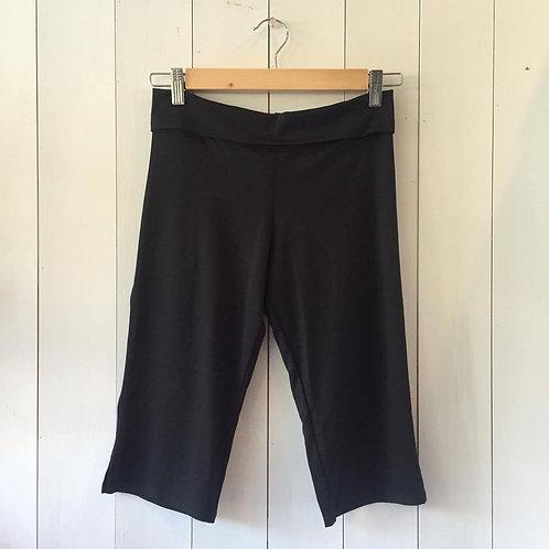 Black_S-310_Straight Leg Capri