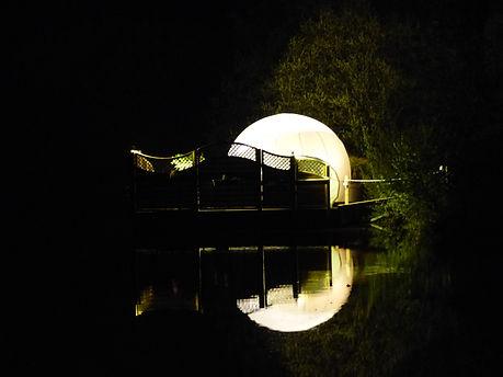 nuit insolite bretagne finistere la roche maurice en bulle ou cabane avec jacuzzi nature bien être soin du visage modelage du dos à la bougie plateau de fruits de mer champagne nuit romantique