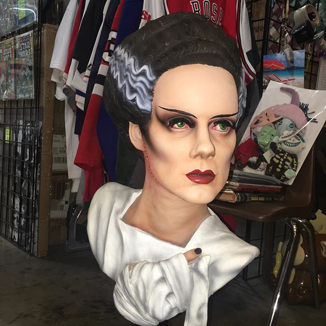 Very rare 2004 bride of frankenstein (Elsa Lanchester) life size bust Howard s studios $900 free shi