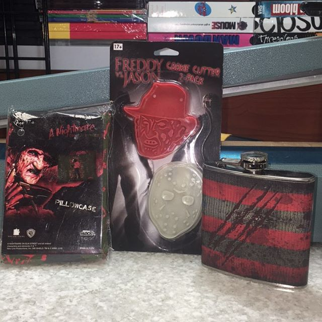 $13 Freddy Kruger flask pillow case and Freddy vs Jason cookie cutters free shipping #scroozetoys #f