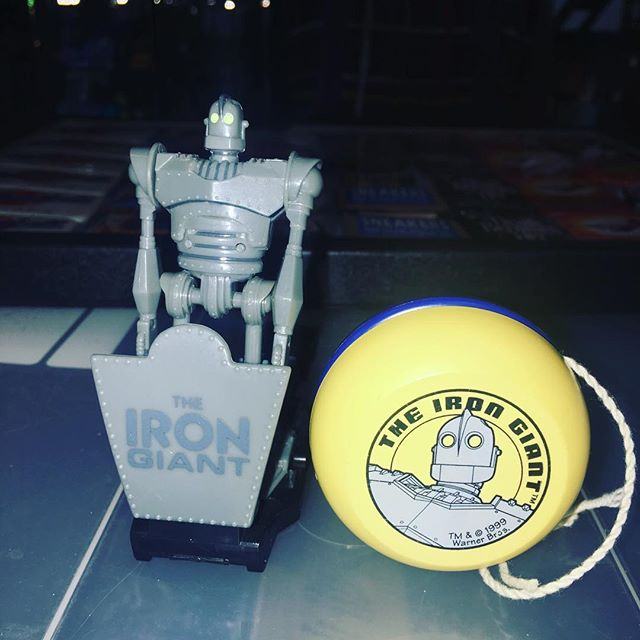 Iron giant promotional watch and yoyo 19