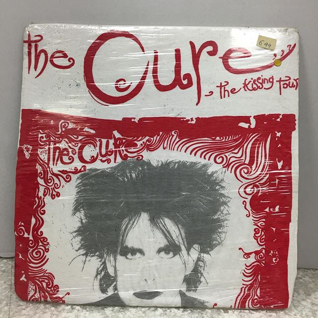 Holy grail the cure 1987 the kissing tou