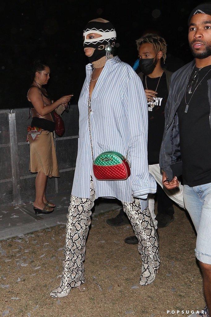 Rihanna-Wearing-Gucci-Mask-Coachella-2018