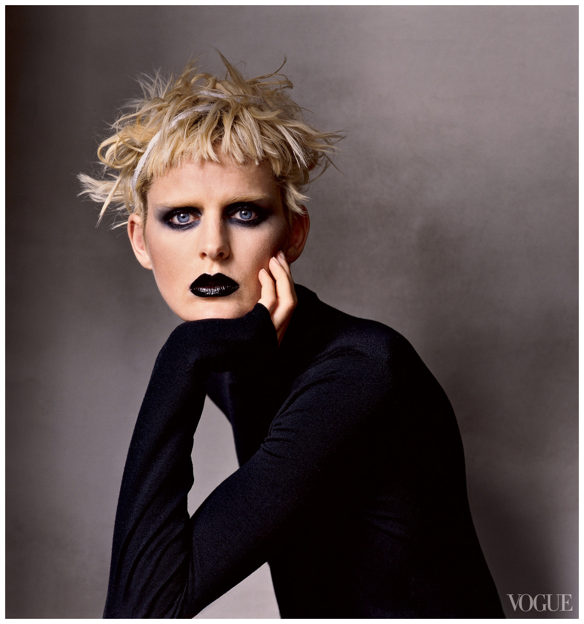 photographed-by-irving-penn-vogue-july-2006