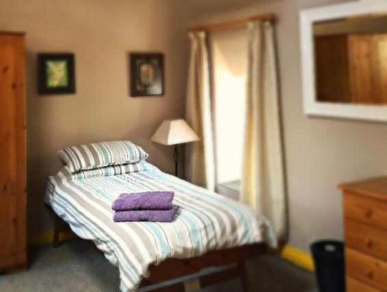 Twin Room_edited
