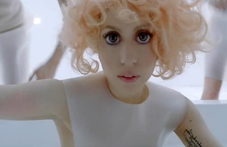 Challenging Lady Gaga's Doe-Eyed Craze\How Circle Lenses can Sabotage the Best Sexual Efforts