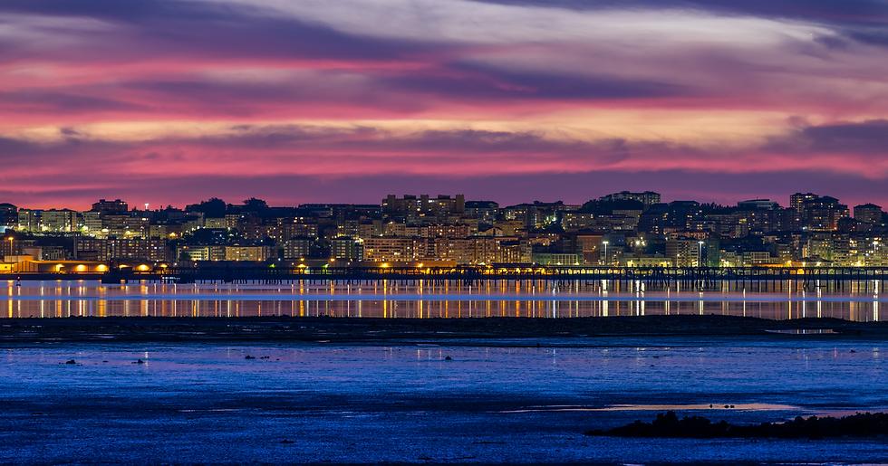 santander-sunset-cityscape-spain-M7QZAB5_edited.png