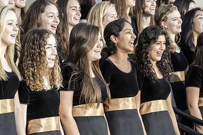 2012 Bravura Singing Close-up High 600.j