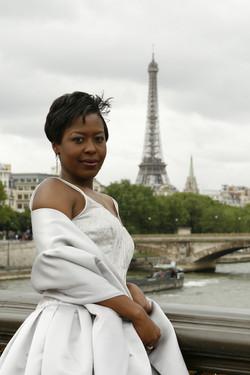 Ch 5 - Souvenir Photos, Paris