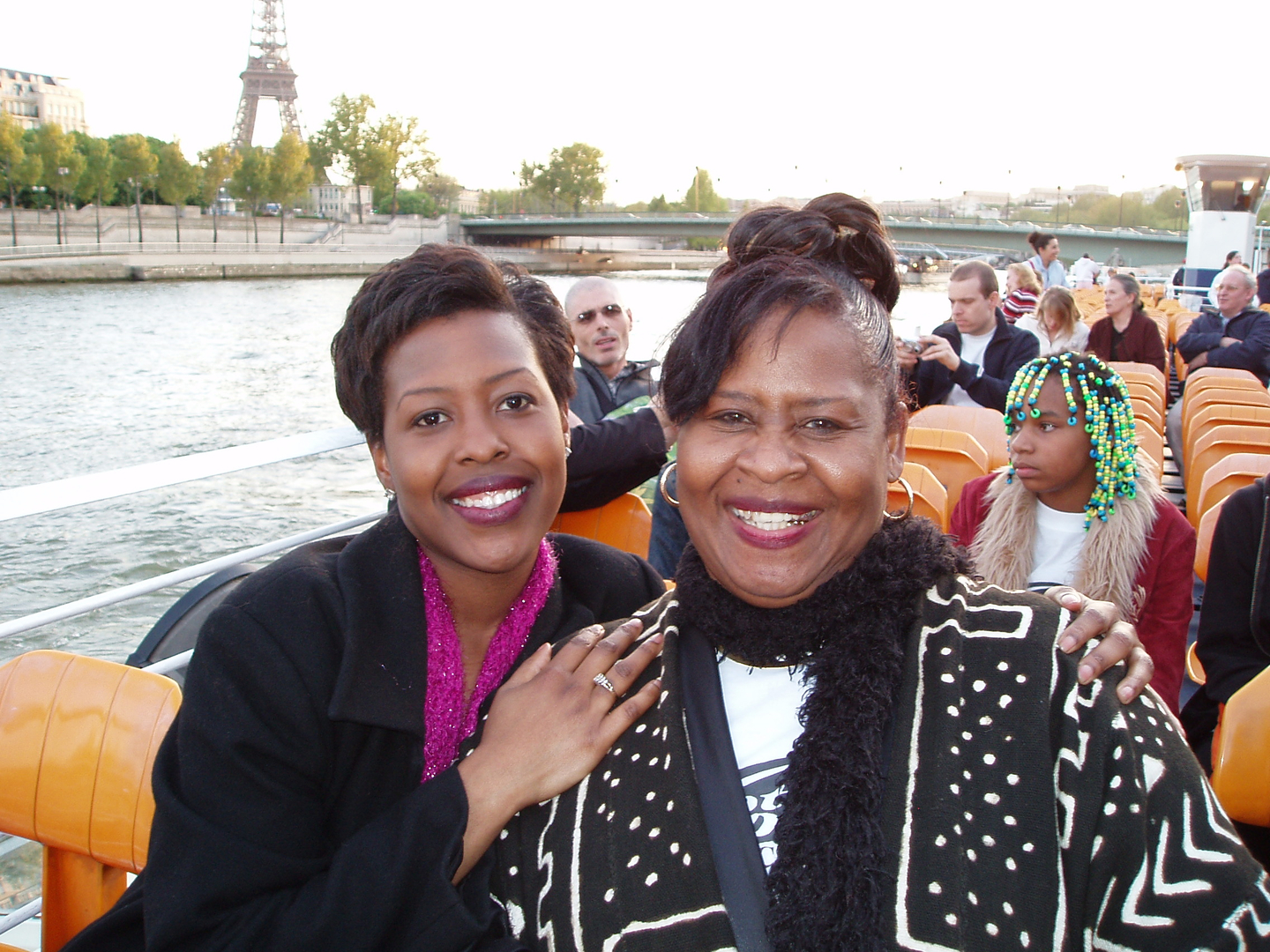 Ch 5- Mom & Karla on Bateaux Mouches