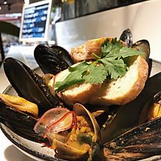 馬薩拉淡菜蛤蜊盤 Curry Mussel Steam w/ Clams