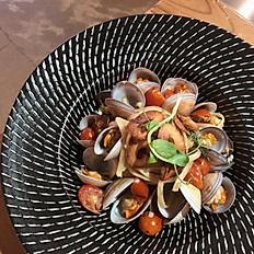 蒜香白酒蛤蜊義大利麵 Winey Garlic Pasta with Clams