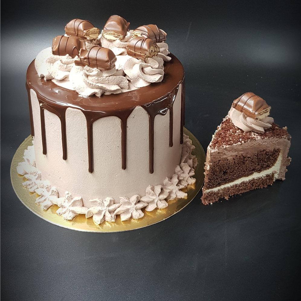 Layer Cake Kinder Bueno Artisans Pâtissiers Patisserie Du Coin