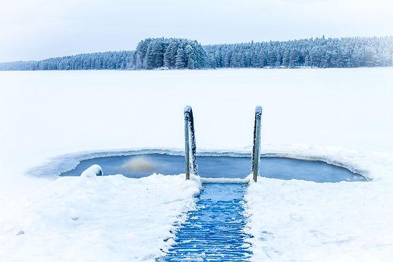 Ice-swimming.jpg