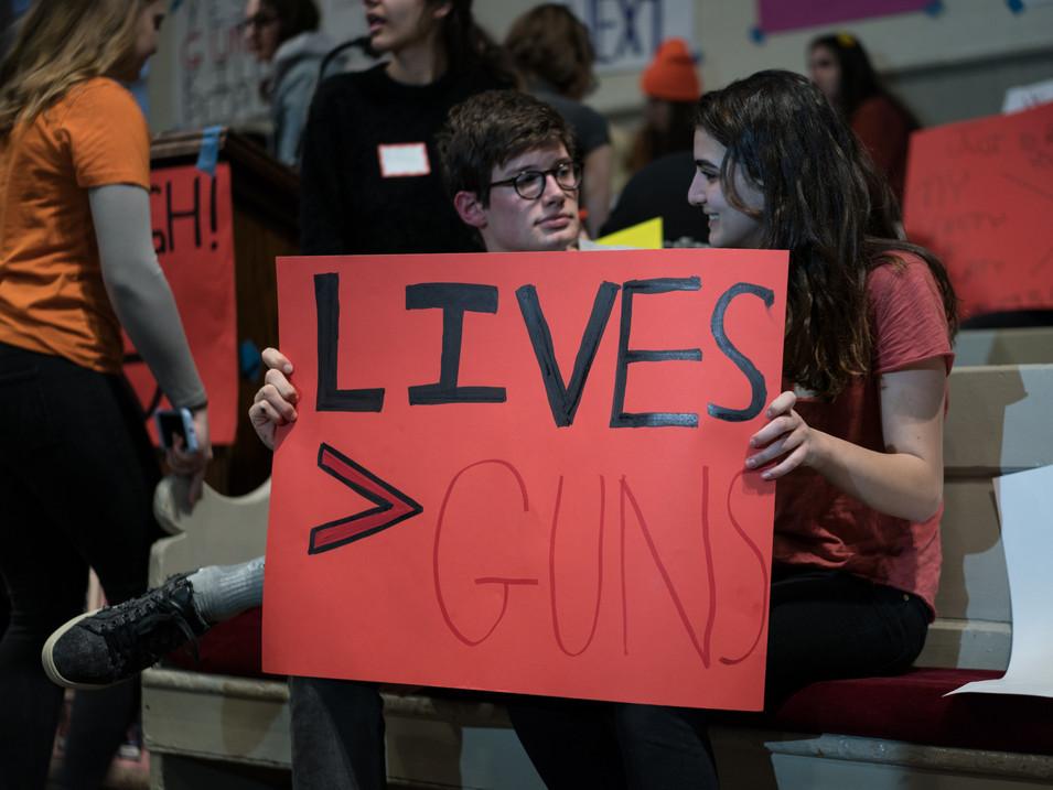 Lives>Guns
