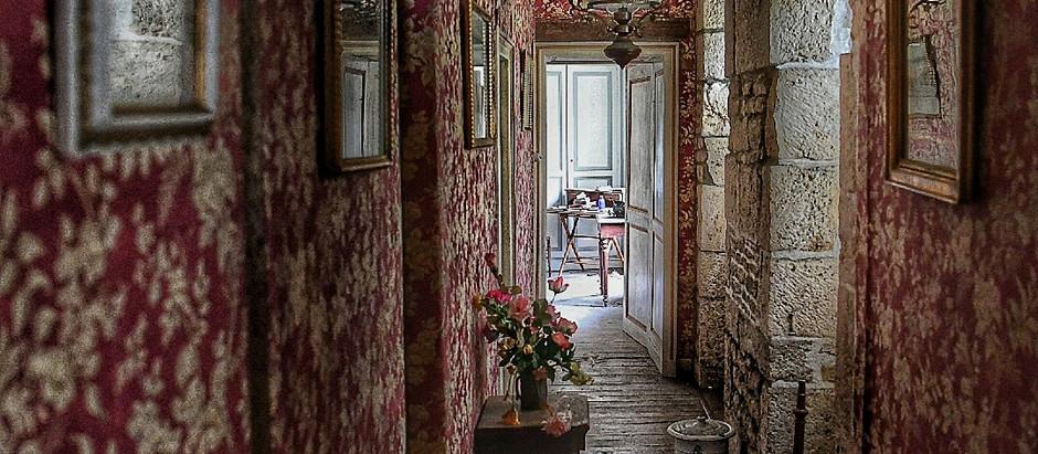 Eine wahre Schönheit des Verfalls❤️...als wäre dieses Häuschen in den Dornröschen-Schlaf gefallen🌹