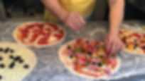 Unser Pizzaiolo im Pizzamobil am Werk. Pizza Party Service Volpe.