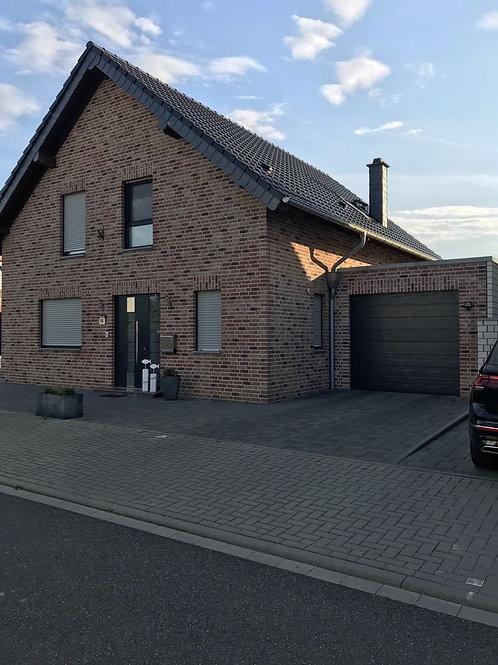 Freistehendes Einfamilienhaus mit Pool in Erkelenz