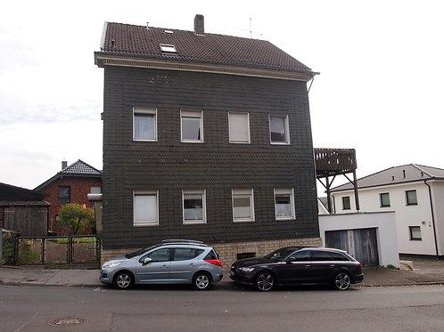 Ein Haus mit Geschichte: Freistehendes 3-Familienhaus in Remscheid