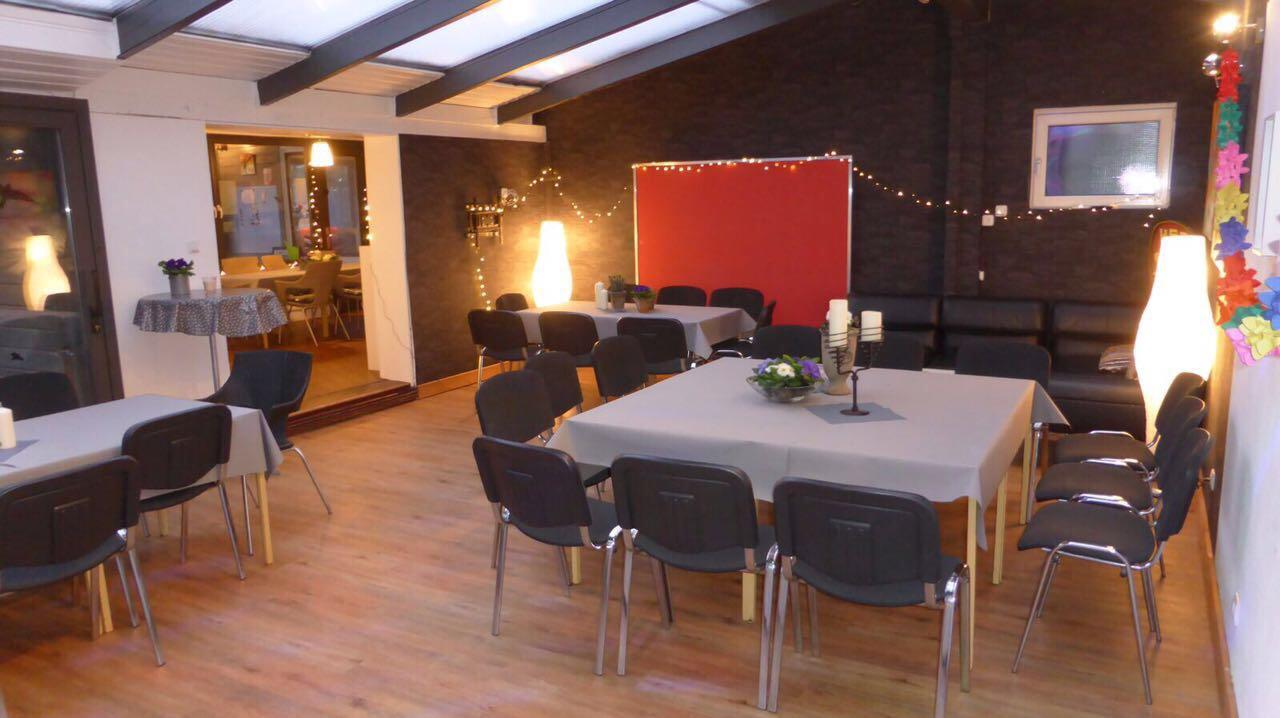 Großer Gastraum mit Lounge