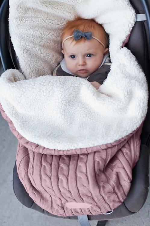 nid d ange,couverture bébé,gigoteuse,couverture poussette,