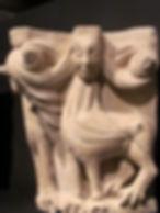 Esfinge en un capitel que podemos encontrar en el Museo de Burgos.