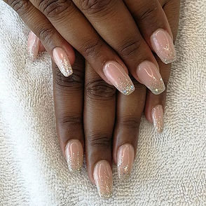 Glitter ombre nails for _rohitaa_pillay3