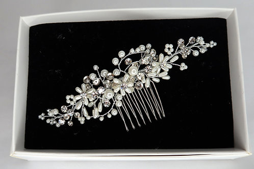 Delicate Hair Slide with Pearl Flowers