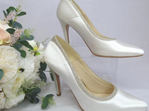 Diva - Ivory Satin Heels