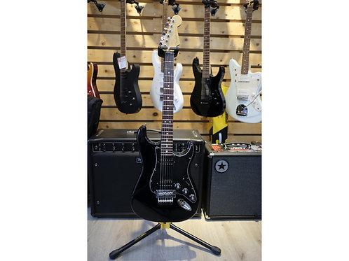Fender Stratocaster Blacktop HH