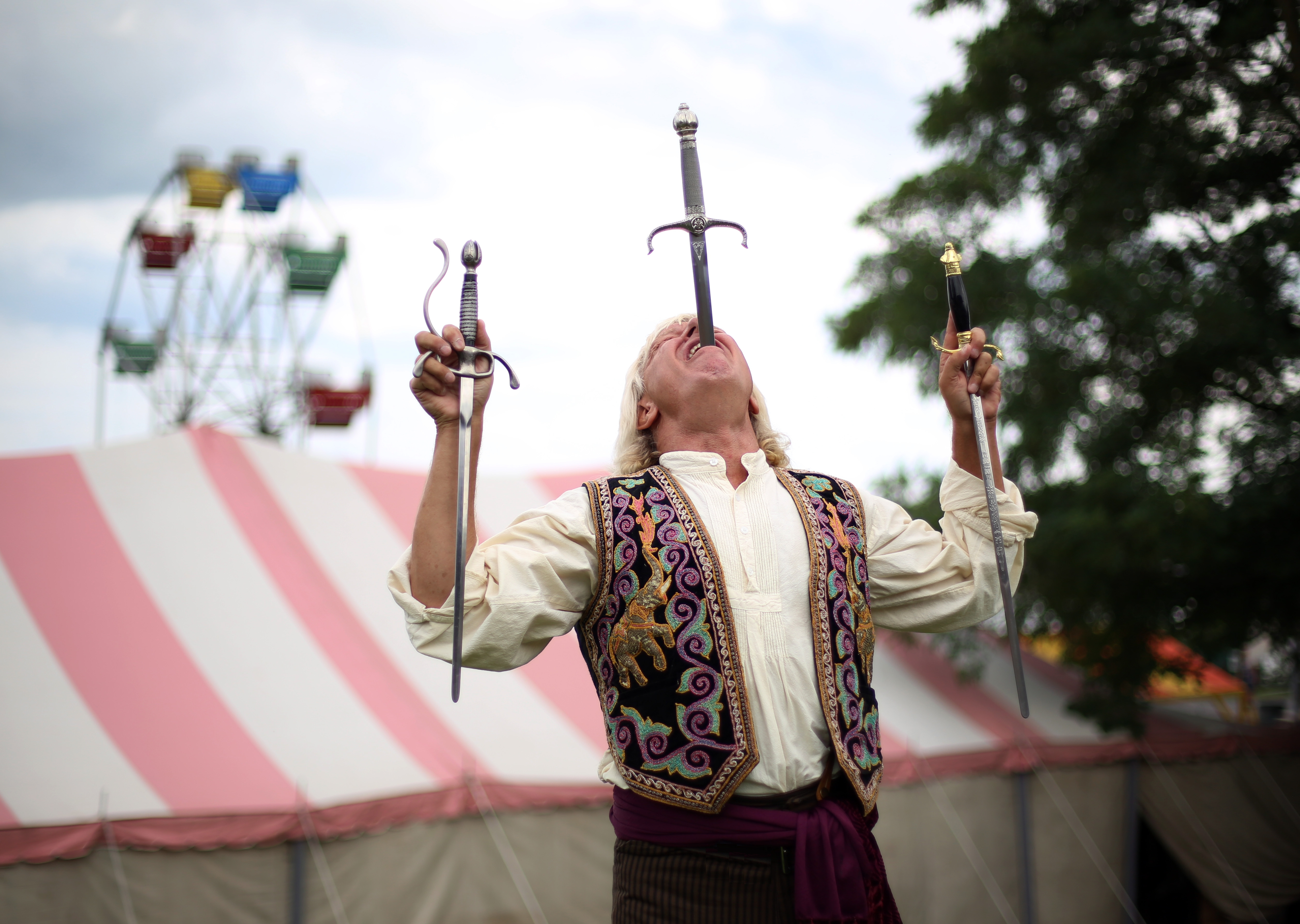 Sword-Swallower-at-a-Carnival-Dan-Meyer-2017-3-swords-COLOR.jpg