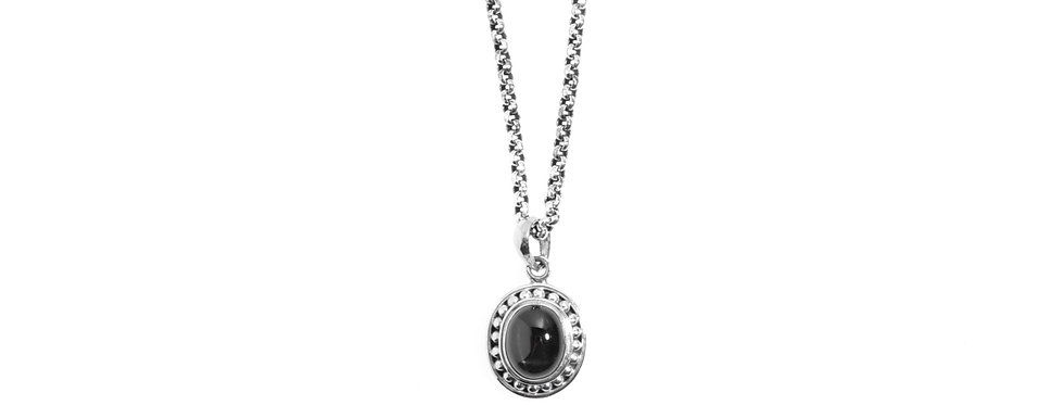 Silver Vintage Style Pendent with Black Star Sapphire on Silver Chain